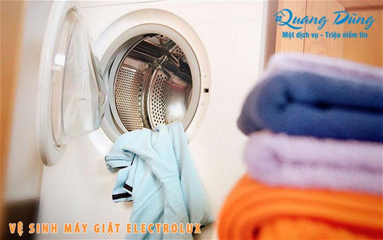 vệ sinh máy giặt electrolux quang dũng